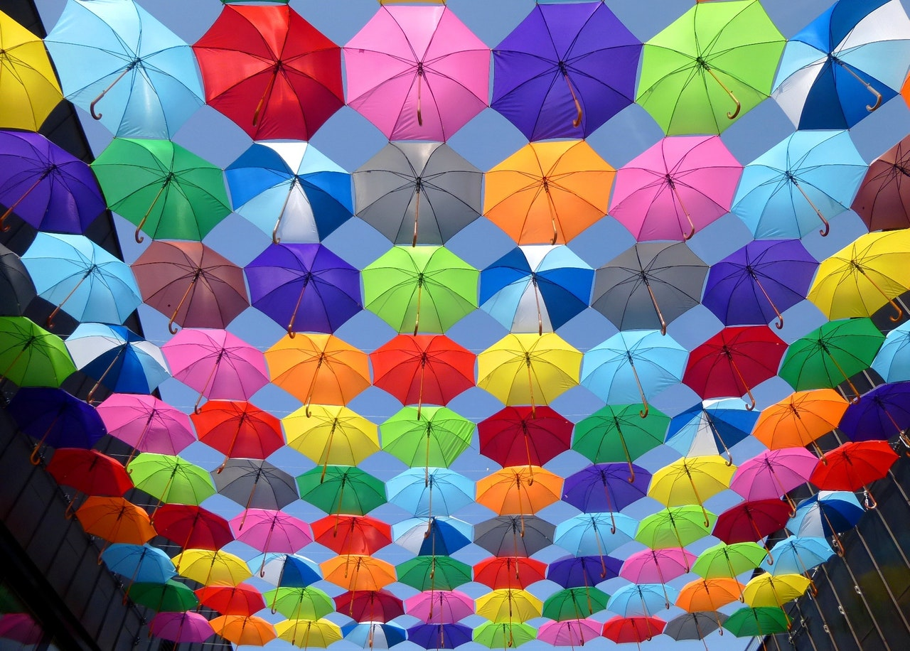 color-umbrella-red-yellow-163822